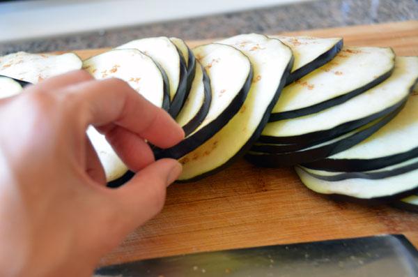 Slicing_Eggplant