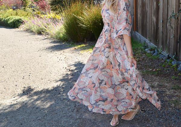 Sheath_dress_twirl